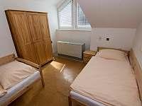 třílůžkový pokoj - apartmán k pronajmutí Nekoř