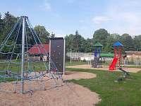 dětské hřiště v obci - Verměřovice