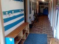 vstupní chodba - Bystré u Dobrušky