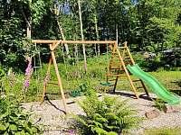klouzačka, pískoviště a trampolína pro děti - Horní Orlice