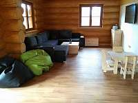 obývací část - pronájem srubu Červená Voda - Dolní Orlice