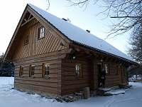 Roubenka Krčkovi - celkový pohled zima - chalupa k pronajmutí Orlické Záhoří