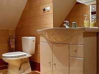 horní koupelna - chata k pronajmutí Valteřice