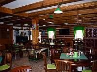 Restaurace u apartmánů - pronájem Čenkovice