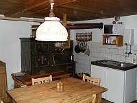 Obytna kuchyn, vareni - chalupa ubytování Slatina nad Zdobnicí