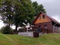 Letní posezení - chata ubytování Bartošovice v Orlických horách