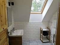 Koupelna v patře - pronájem chalupy České Petrovice