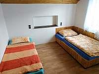Ložnice 2, první patro, možnost přistýlky - molitanová matrace na zemi - pronájem chaty Pastviny