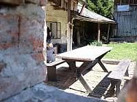 Venkovní sezení za chalupou - Červená Voda - Šanov