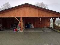 Garážová stání + prostor proposezení + sauna - chata k pronájmu Heroltice u Štítů