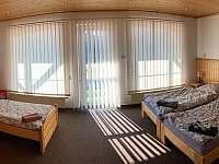 třílůžkový pokoj v suterénu - Deštné v Orlických horách