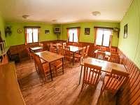 jídelna - chata k pronajmutí Deštné v Orlických horách