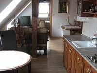 Druhý apartmán, kuchyně s jídelnou - pronájem chalupy Jamné nad Orlicí
