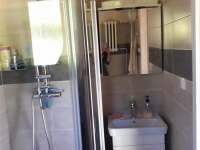 Koupelna - chata k pronájmu Kružberk
