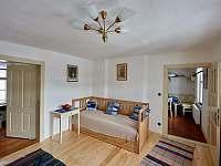 Pravý pokoj- složená pohovka - Spálov