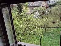 Výhled do zahrady - Spálov