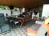 Letní kuchyně - chata k pronajmutí Hlubočky