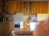 Kuchyně - chalupa k pronájmu Hradec nad Moravicí
