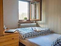 Ložnice 1 (140cm lůžko) - chalupa k pronájmu Hradec nad Moravicí