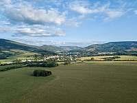 Chata Liduška - Pohled z ptačí perspektivy na město Zlaté Hory - k pronajmutí