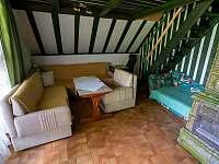 Chata Liduška - vlevo od vstupu společenská místnost ( obývák) - k pronajmutí Zlaté Hory