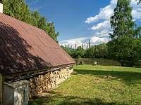Chata Liduška - Vzdálenost k rybníku 30m - ubytování Zlaté Hory