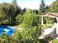 bazén s posezením - chalupa ubytování Týn nad Bečvou