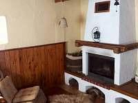 Krb v obývacím pokoji - chalupa k pronájmu Týn nad Bečvou