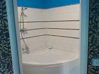 Toalety jednotlivých pokojů - Bouzov - Doly