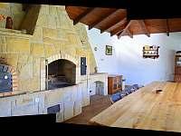 Zahradní pískovcová kuchyň - rekreační dům k pronajmutí Kladky
