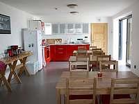 Jídelna s kuchyní1
