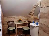 koupelna v 1 patře - chalupa k pronájmu Hačky