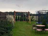 zahrada - chalupa k pronajmutí Hačky