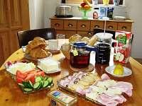Snídaně pro skupinku kovářů. Ale chstáme i pro jednotlivce. - rekreační dům k pronájmu Týn nad Bečvou