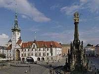 Horní náměstí v Olomouci s orlojem - chata k pronájmu Penčice