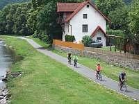 Rekreační dům s cyklostezkou a řekou Moravicí - chalupa ubytování Hradec nad Moravicí