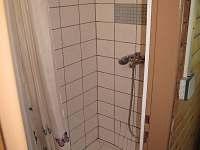 Sprchový kout WC s umyvadlem