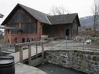 Areál vodního mlýna - vodní náhon,  stodola, zahrady