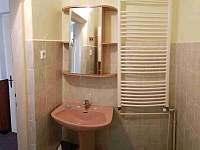 Koupelna - chalupa ubytování Hukvaldy