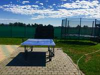 Stolní tenis a trampolína - chalupa ubytování Hlivice