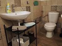 Koupelna v malé půlce - pronájem chalupy Kružberk