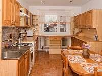 Kuchyň, pohled od dveří - pronájem chalupy Těrlicko - Hradiště
