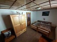 Spálňa s 4 - lôžkami - chata ubytování Oščadnica