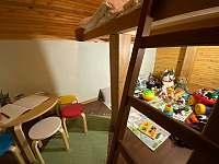 Detský kútik so stolíkom a stoličkami - pronájem chaty Lučivná - Lopušná Dolina