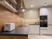 plne zariadená kuchyňa - Stará Lesná