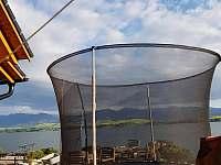 trampolina na terase - srub k pronájmu Liptovský Trnovec