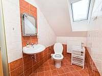 červený apartmán WC