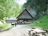 Kvačianska dolina-Oblazov 27 km,funkčná píla,mlyn