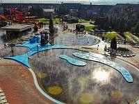 Venkovní bazény s termální vodou Bešeňová l. - pronájem apartmánu
