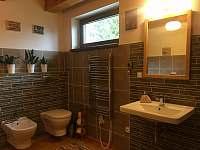Kupeľňa je vybavená bidetom a toaletou - Košiarny briežok